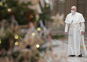 Pope with Christmas tree